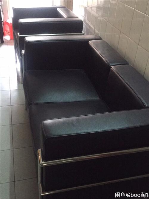 2+1  三位高档PU皮沙发 两个人三人沙发 小户型 开工作室买的一套沙发3000多买的,搬去深圳搬...