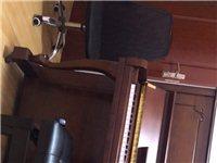 韩国英昌钢琴 九成新 14年一万五千元购入 从昆明搬下来 现在不想再搬回去了 因为是老师 练琴经常在...