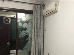 凤鸣园1室 0厅 1卫330元/月