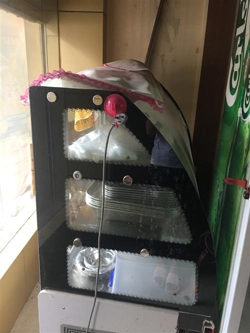 现有食品展示柜一台1.6米宽,装有四个大轮子,去年12月买的,只用了三个月,九五成新,一台立柜,一张...