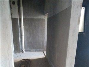 东湖豪景5室2厅3卫82万元复试使用面积160平