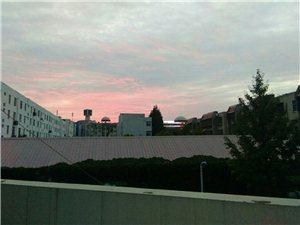 傍晚的天空好美