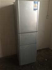 三门BCD-202M/TX6容声冰箱,使用一年,八成新,城北白杨村,低价转让。