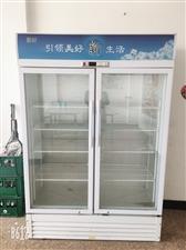 十中对面现有九成新展示柜一台,节能环保型,售价1200元,有需要者请联系:18744570087