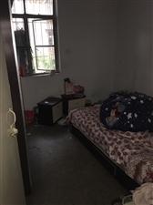 学成路3室 1厅 1卫18万元