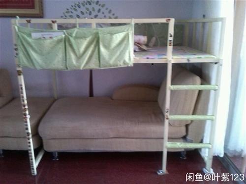 兒童床 自已用白鋼焊接制作的兒童床,真材實料,堅固耐用,噴環保漆,使用一年,床下有活動區域,床長16...