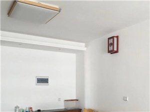 南山西路套房出租,三房二厅二卫带家具1200/月,联系电话18460339129