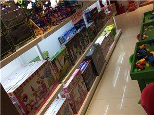烤漆货柜,三层带led灯,三个0.94米长的,两个1.4米长的,可以当货品展示柜,鞋子 包包 玩具都...