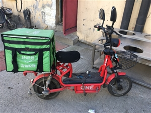 电动车,品牌:雅乐骑,电瓶:48v20,状况良好2年车,价钱700元