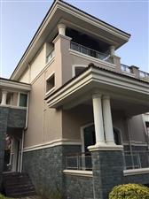 凤冠山庄独栋别墅6室 3厅 4卫700万元