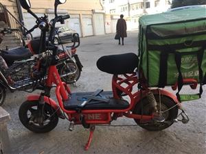 电动车,品牌:雅乐骑,电瓶:48v20,状况良好2年车,有防盗器,价钱700元 ,电话:138366...