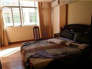商贸街2室 1厅 1卫1300元/月