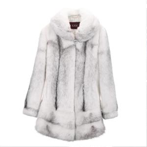 十字貂整貂大衣,九成新,原价1.2万,现6500转,非诚勿扰
