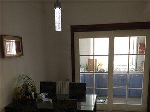 金地花园小区住宅楼出租,三室两厅双卫,室内设施齐全