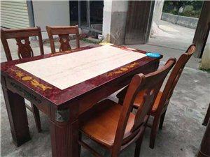 大理石桌面实木桌椅一套,一桌四椅,290一套,联系电话13697012575
