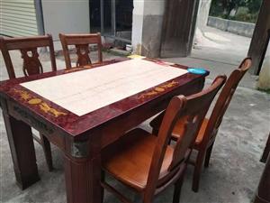 大理石桌面实木桌椅一套,一桌四椅,150一套,联系电话13697012575