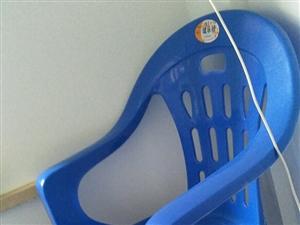 塑料靠背椅,15一张,一共有12张,联系电话13237071233