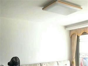 套房出售:桃江御景3房2厅,121平米,满五唯一,过户费约7000元左右,家具家电齐全全送,2015