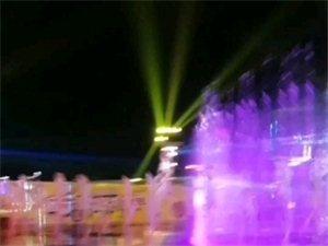龙翔广场喷泉非常漂亮