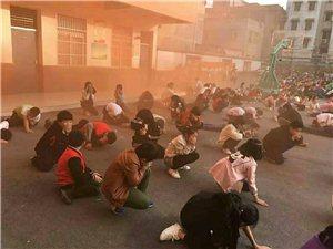 """临泉县红十字应急救援队""""黄金四分钟,救在身边""""宣传活动走进育新小学"""