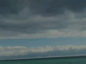 风中的赛木里湖(开窗所得)