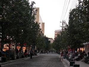 大足步行街改造后
