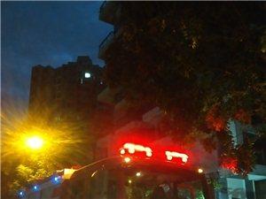 银海路天和丽景小区F楼昨晚电路着火