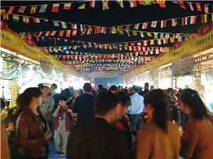 寻乌美食节相约在华南汽车城,人山人海,乐翻天!