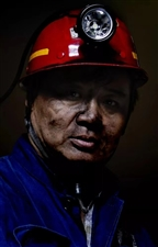 寻找涉县籍煤矿工人,《地层深处》正在安排涉县放映!免费请30名煤矿工人看!如果你的父母是煤矿工人,你