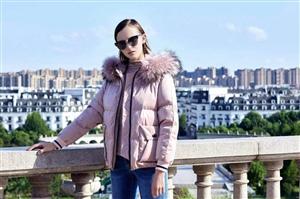 松桃广场洛呗一诚招女性,要求口齿伶俐,表达能力强,具有较强沟通能力及销售技巧,有亲和力,性格外向、活