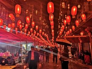 榕江美食街一角
