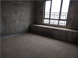 出售,御景�|方,�S金��樱�面�e126平�送多,得房率很高,房�a�C�M2年,房�|�\心出售,看房�峋�183
