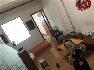 中山大道桂南小区房屋出租,两室一厅一厨一卫,家电齐全。650包水电气