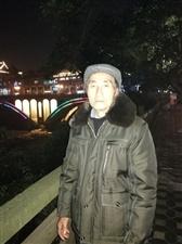 再过几天,就是我父亲74岁生日了,我决定在生日之前带同样喜欢兰花的父亲来雅安赶一次雅安兰花市场,顺便