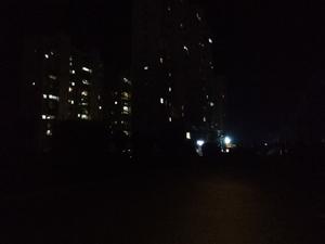 回家这段路路灯不亮,好难走……搞的好怕