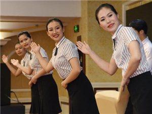 """���裙θ诎l展――珠海度假村酒店�_展""""�T工�L采""""�Y�x操大�"""