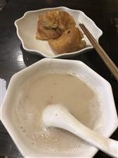早上吃一碗豆浆油条。真的很开心??
