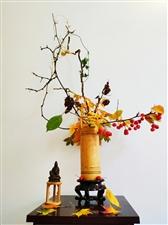 庄子,秋水篇一个河神在黄河里,逍遥自在,过年,过节,人们都来到河边来祭祀,各种好吃的都有,河神,很