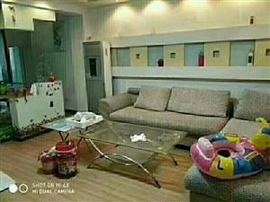 龙门山庄一楼113平精装修带小房仅售87万