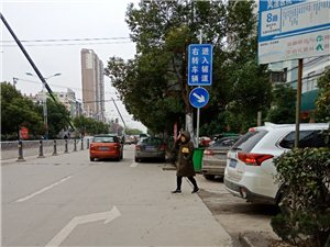 红绿灯设计,路标箭头线路设计不合理