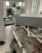 刚搬新家请朋友吃饭,一声爆炸7人进医院新闻晨报1月12日中午,江苏连云港市区一小区33楼居民