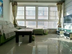 出售,汇龙湾电梯房黄金楼层81平精装修两室一厅带车库,仅售62万,可议,18765358312