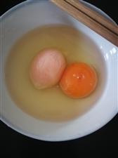 中午本来想做个炒蛋,但是这个鸡蛋还能吃吗……