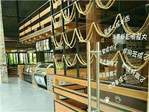 洋浦悠悠咖啡馆转让本店地处洋浦经济开发区古盐田高尔夫球场风情小镇,风景优美,装修风格奢华。各种做西