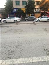 东环路撞车,可怜的护栏