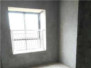 ��南城�^�光水岸有房出租!3室2�d2�l120平米,有�梯及停���