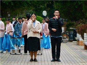 【参赛】大年初一文艺汇演的台前幕后(相机)