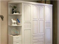 求购一个二手木质衣柜 类似图片这种的
