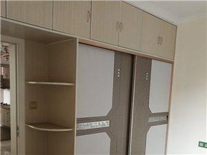 一江弘城,3室2�d,精�b80�f。