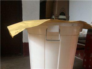�理,����Y式烤�t,煤�庠铑^一套�т�桶�盆、管子�y�^。一��塑料大白桶(200升)五百��牛皮�,一百��
